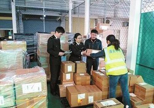 香港進口到深圳貨物監管區查驗現場