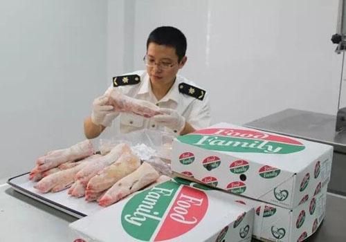 進口西班牙的冷凍豬肉在黃埔口岸完成通關手續